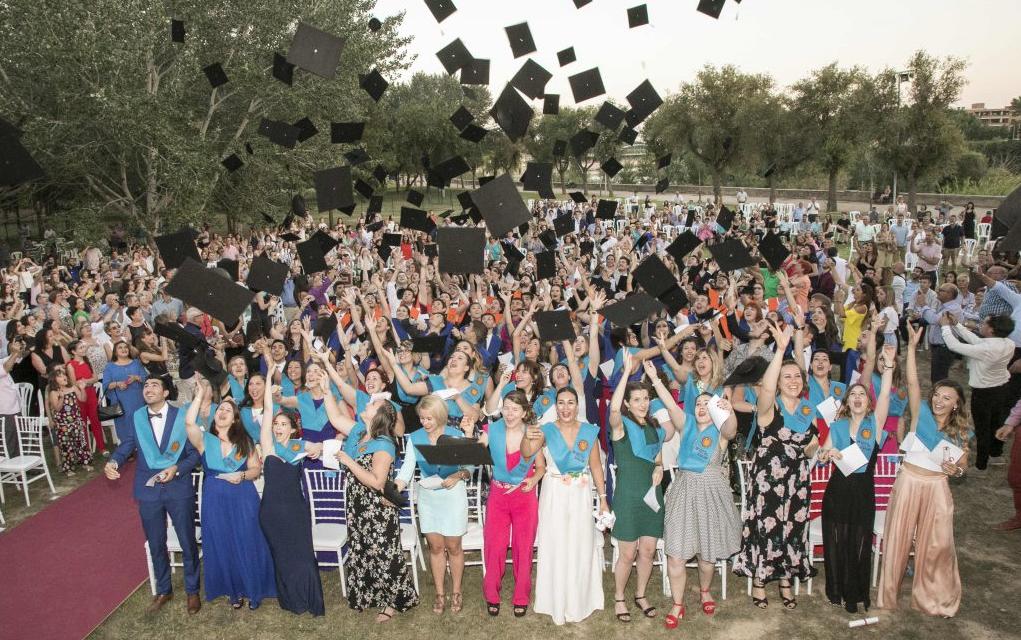 L'equip de Segones Oportunitats padrins de la promoció de joves graduats de la Universitat Rovira i Virgili