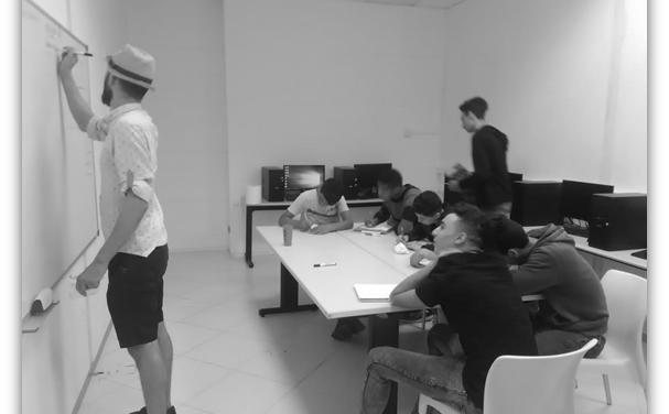 """Signem acord en el marc de la convocatòria """"Inserció sociolaboral"""" del Programa d'Ajuts a Projectes d'Iniciatives Socials de la Obra Social """"la Caixa"""" per contribuir al projecte """"Un Pont de Mar Blava"""""""